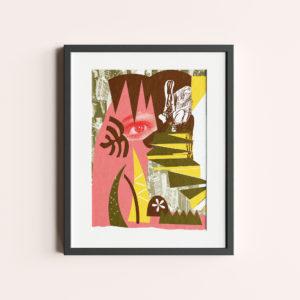 """GRAFIKA """"ZABAWA W CHOWANEGO"""" to żółto-łososiowy kolaż z okiem kobiety wyglądającym zza krzaków."""