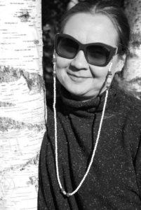 Zdjęcie Agaty z łańcuszkiem do okularów.